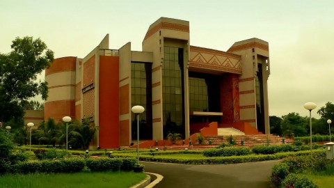 IIM Calcutta Placements 2015: Finance Sector sees 100+ Offers